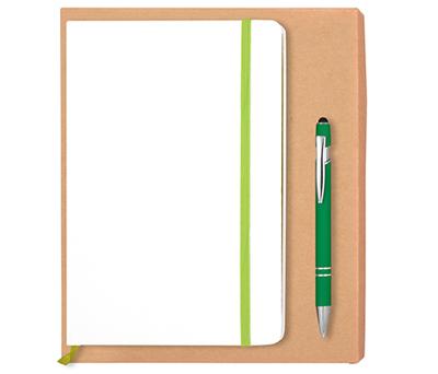 Set de bolígrafo verde con puntero pantalla táctil y libreta A5 con goma, lateral y marcapáginas de color para personalizar como detalle de boda y producto promocional