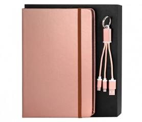 Set libreta A5 en colores metalizados y cable USB presentado en caja de cartón personalizable ideal como detalle de boda, artículo promocional y bullet journal rosa