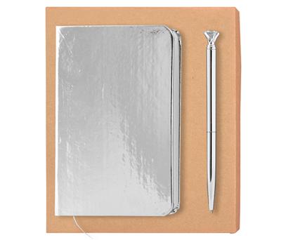 Set plata de libreta metalizada A6 y bolígrafo con diamante en caja de regalo personalizable para regalar como detalle de boda, uso como bullet journal o producto promocional