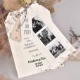 Invitación de boda con etiquetas personalizadas y fotos polaroid de los novios