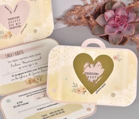 Invitación de boda maleta con corazón rasca sorpresa