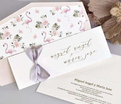 Invitación de boda romántica combinable con forro de sobre y lazo