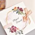 Portada invitación de boda corona dorada floral con lazo a juego con el sobre