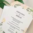 Texto impreso en la invitación Just Married para informar a los invitados de los detalles del enlace