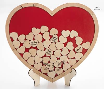 Corazón de deseos de madera con 70 corazones para guardar recueros especiales de la boda