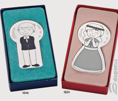 Imán de comunión en caja de regalo de niño o niña de primera comunión como detalle de comunión para los invitados