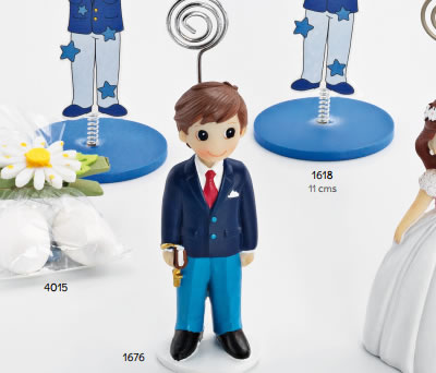 Portafotos de niño de Primera Comunión vestido con traje azul y libro en la mano como detalle de comunión para los invitados al evento