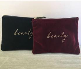 neceser beauty negro y granate como regalo para mujeres