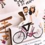 Invitación de boda pop up novios en bicicleta