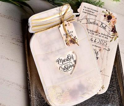 Original invitación de boda forma de tarro en papel vegetal