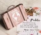 Original invitación en forma de maleta de madera