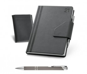 Agenda 2021 color negro con funda y bolígrafo tamaño B5 de polipiel para plasmar el logo de tu empresa