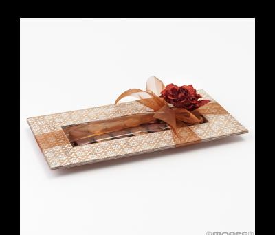 Bandeja madera 14bombones con flores talladas 14x28cm. AWB1405