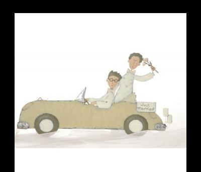 Pareja dos chicos en coche para detalles de invitadosABIS1292