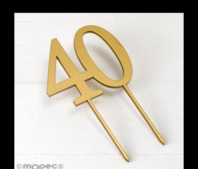 Cake topper 40 en color dorado 12x17cm. AW140