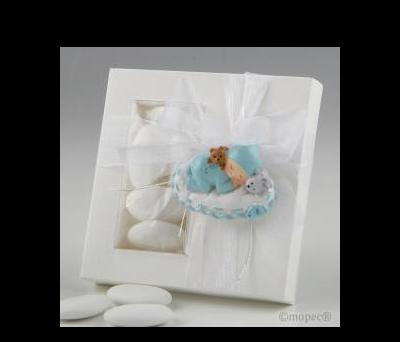 Imán bebé azul sobre almohada en caja 5peladillas choco - AZP1770.3