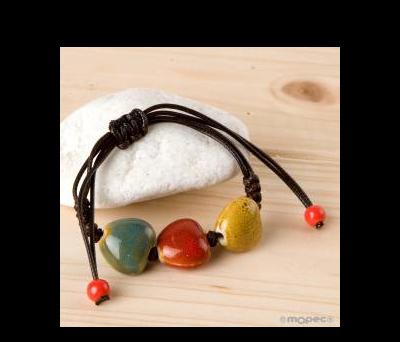 Pulsera ajustable con piedras Corazones de colores. AK160
